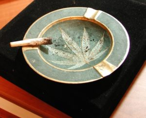 Ashtray joint roach personal smoke toke leaf